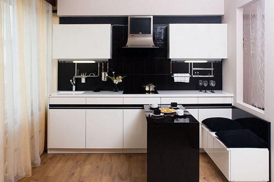 Небольшая кухня в черно-белых тонах