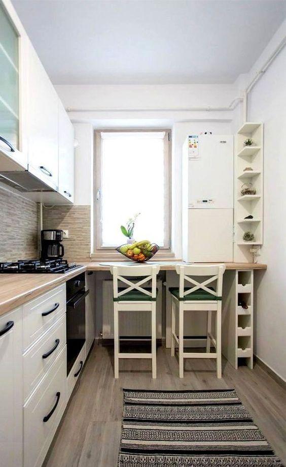 Столешница-подоконник на маленькой кухне