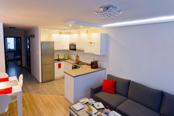 П-образная планировка на прямоугольной кухне гостиной