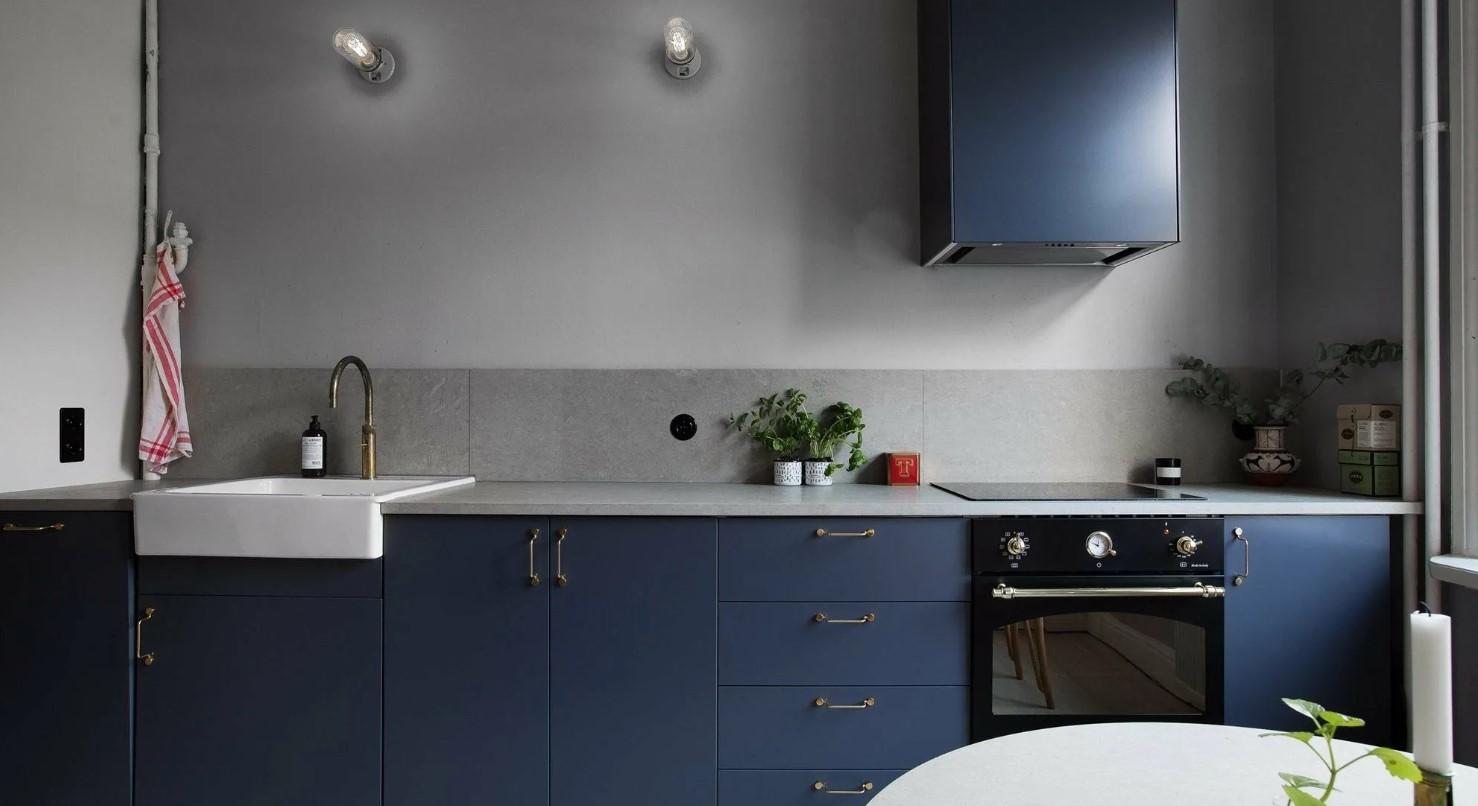 Дизайн кухни синего цвета